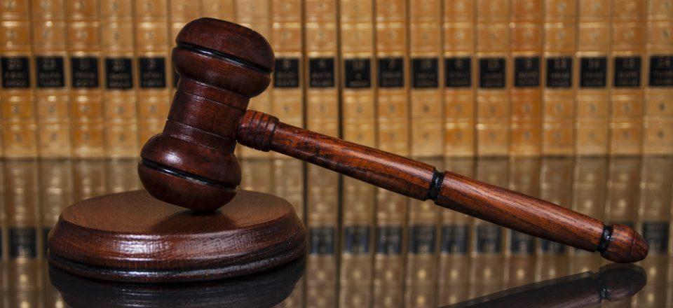 gavel-legal-lawyer